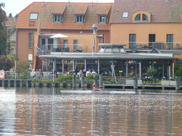 Hotel Rosendomizil an der Drehbrücke. DAS Kuchen- und Tortenparadies für hinterher!